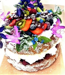 Serious Ultimate sponge upgrade! Top with an array of seasonal flowers, fresh herbs and fresh fruit - £13.50 extra